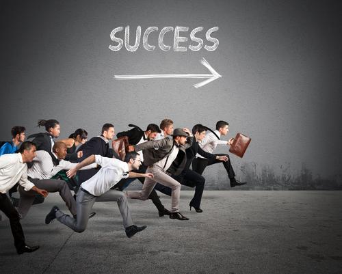 Vink farvel til jagten på succes. Sig goddag til at sætte meningsfulde aftryk.